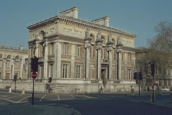The Ashmolean Museum and the Taylor Institute.