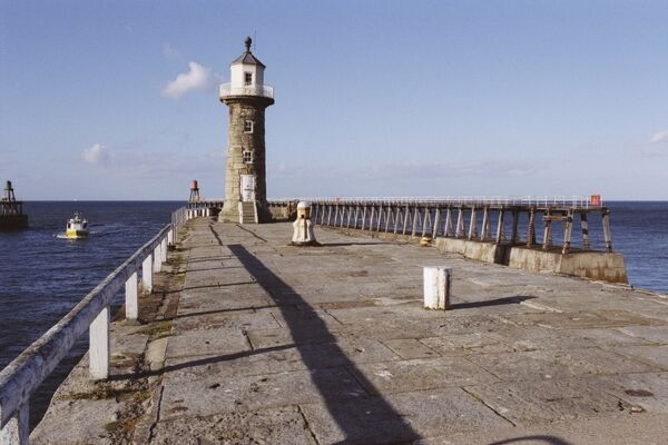 East Pier Lighthouse, Whitby. © Mark Sunderland  Source: Images of England