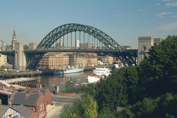 New Tyne Bridge. © D.S. Ridley LRPS  Source: Images of England