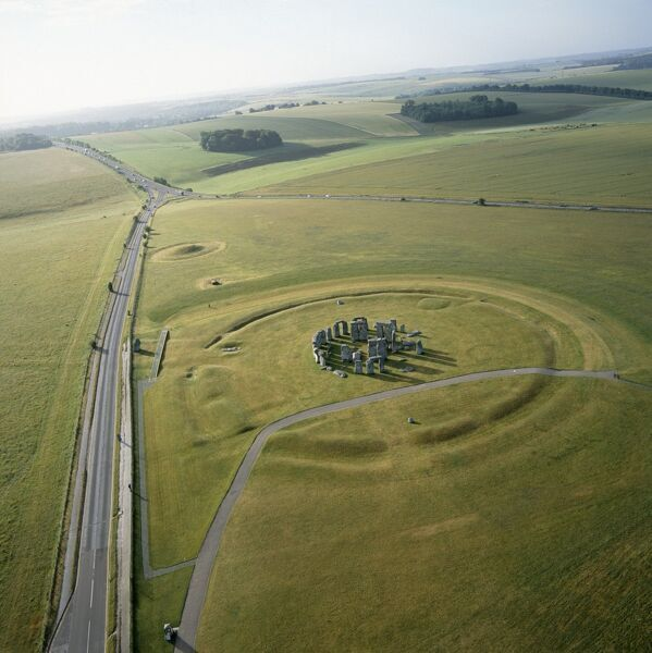 Stonehenge from the air K040312. © Historic England