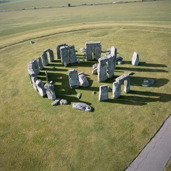 Stonehenge from the air K040315. © Historic England