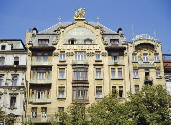 The art nouveau facade of the grand hotel deurope for Europe hotel prague