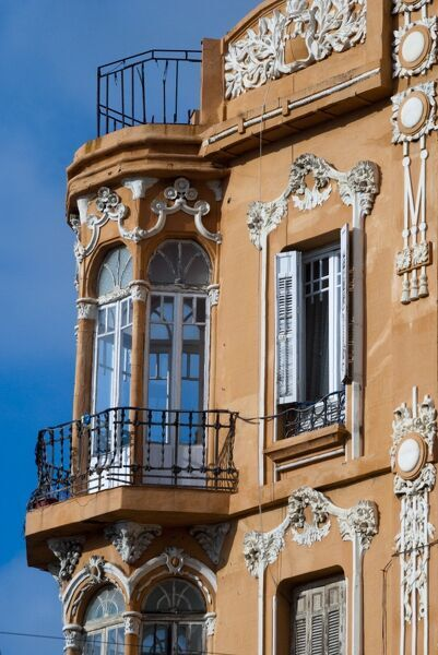 Windowed balconies modernist art deco building on plaza - Art deco espana ...
