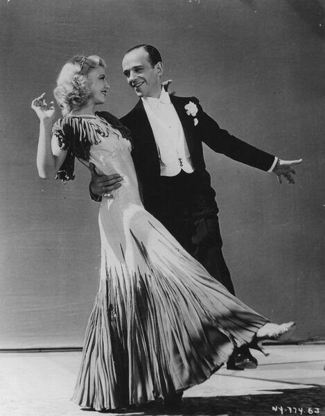 Ginger Rogers and Fred Astaire in Mark Sandrich's The Gay Divorcee (1934). © This image is out of