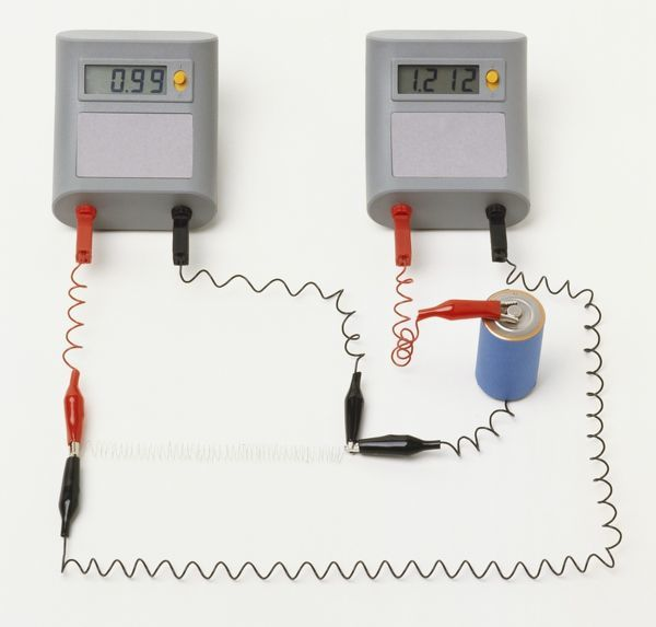 how to connect ammeter and voltmeter in a circuit