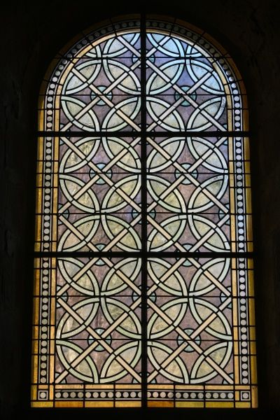 Stained glass in Fontenay abbey church. © Godong/UIG