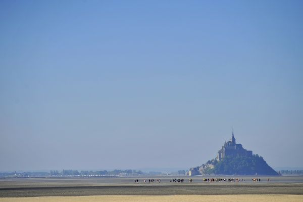 Young Catholics' pilgrimage at Mont Saint Michel. © Godong/UIG
