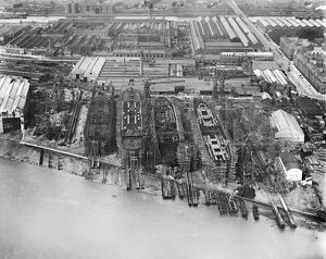 Barrow-in-Furness shipyard 1920 EPW004064