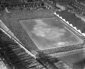 FA Cup semi-final at Highbury in 1929. EPW025838