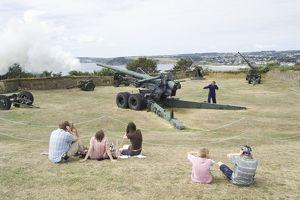 Firing 'Long Tom' at Pendennis Castle N060660