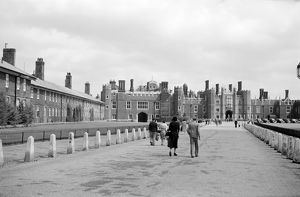 Hampton Court Palace AA001949