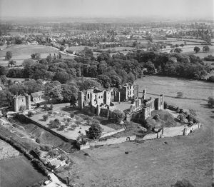 Kenilworth Castle EAR010875