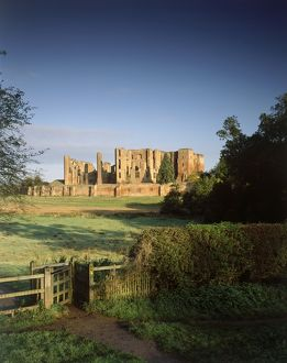 Kenilworth Castle J050193