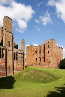 Kenilworth Castle N090427