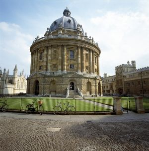 <b>Oxford</b><br>Selection of 44 items