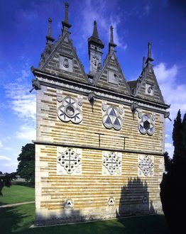 Rushton Triangular Lodge J010084
