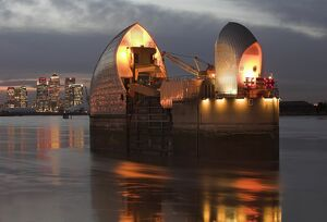 Thames Barrier and Canary Wharf N060983