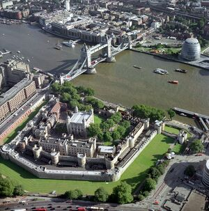 Tower of London & Tower Bridge 21766_20