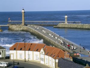 Whitby harbour entrance K021755