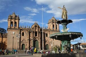Cathedral and fountain in Plaza de Armas, Cuzco, UNESCO World Heritage Site, Peru