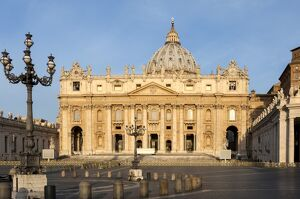 St. Peters and Piazza San Pietro in the early morning, Vatican City, UNESCO World