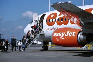 Pax embarking Easyjet flight