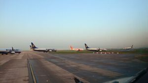 Ryanair B 737-800s and Lone Easyjet Airbus 319 Stansted Sept 06