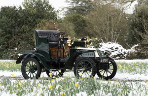 1904 De Dion Bouton Model Q in snow at Beaulieu