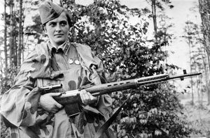 Lyudmila pavlichenko, famous 26 year old russian guerrilla sniper who has killed 309 germans, for which she was made a senior lieutenant and given the order of lenin, a former historian, she participated in the defense of odessa and of sevastopol where she remained until the last, she has been wounded four times.