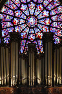 Master organ in Notre Dame of Paris cathedral